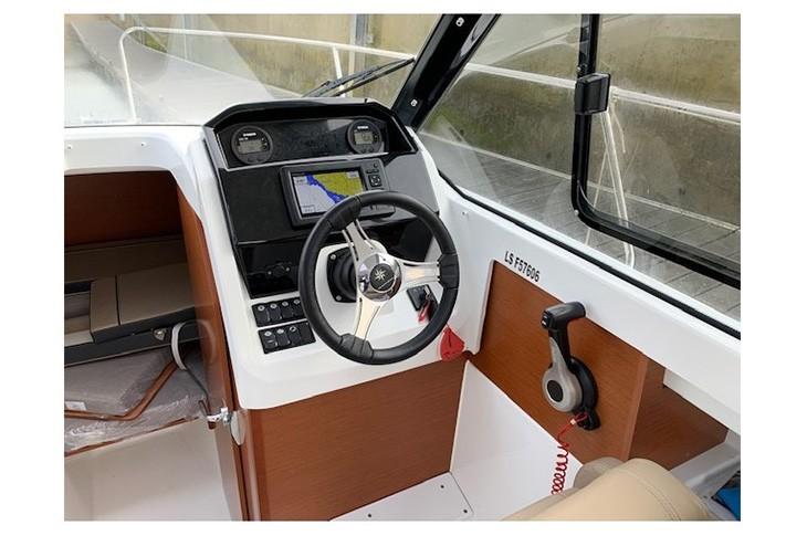 فروش-قایق-&قایق-های-تفریحی-&فروش-در-مکین-دریا،-مارینا-&-فروش-شناور&فروش-قایق-تفریحی-&-merry-fisher-695-(9)